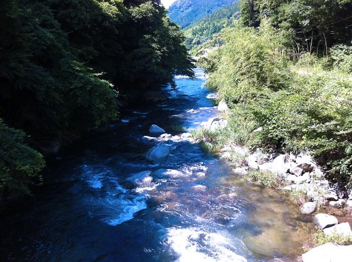 美しい祓川の風景